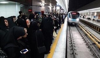 چرا شهرداری تهران از پس گرفتارهای مترو برنمیآید؟
